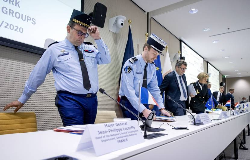 Comment les gendarmes ont infiltré un gigantesque réseau de téléphones cryptés