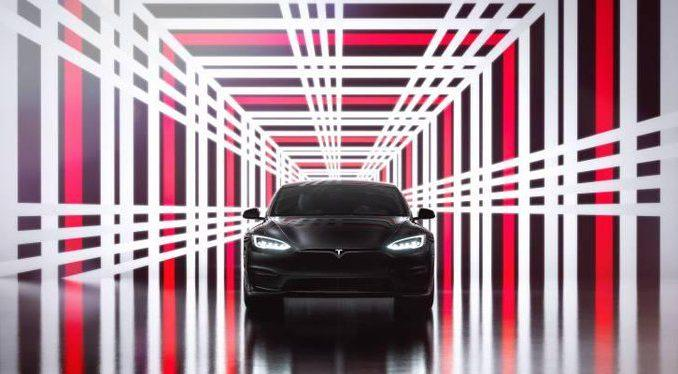 As Tesla pilots self-driving cars, auto insurance may become obsolete